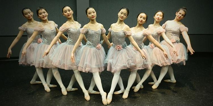 Dance performance at Richmond Cultural Centre