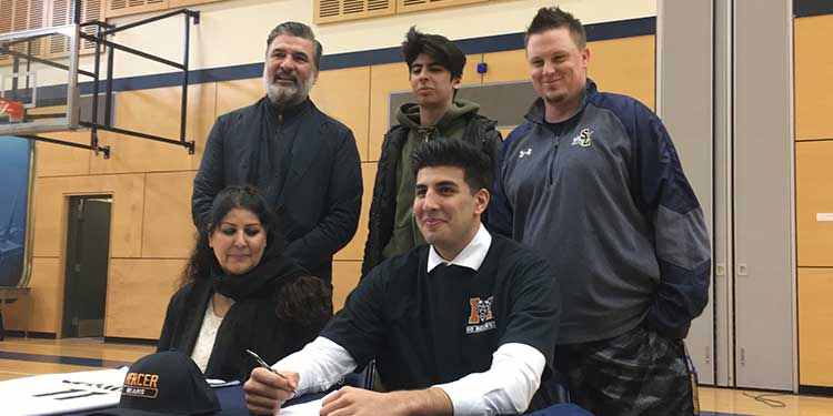 Steveston-London grad earns US hoops scholarship