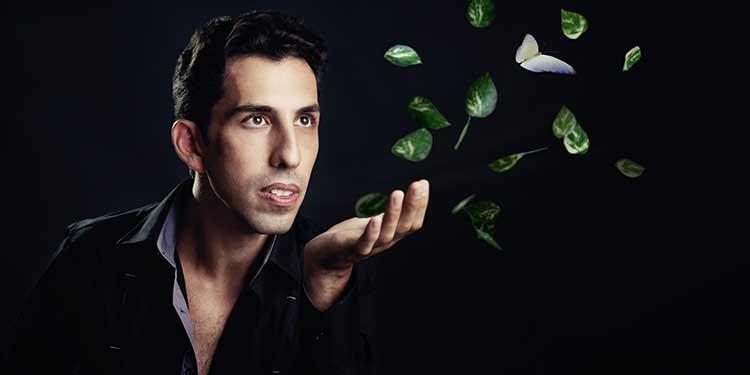 Illusionist Vitaly using magic for good